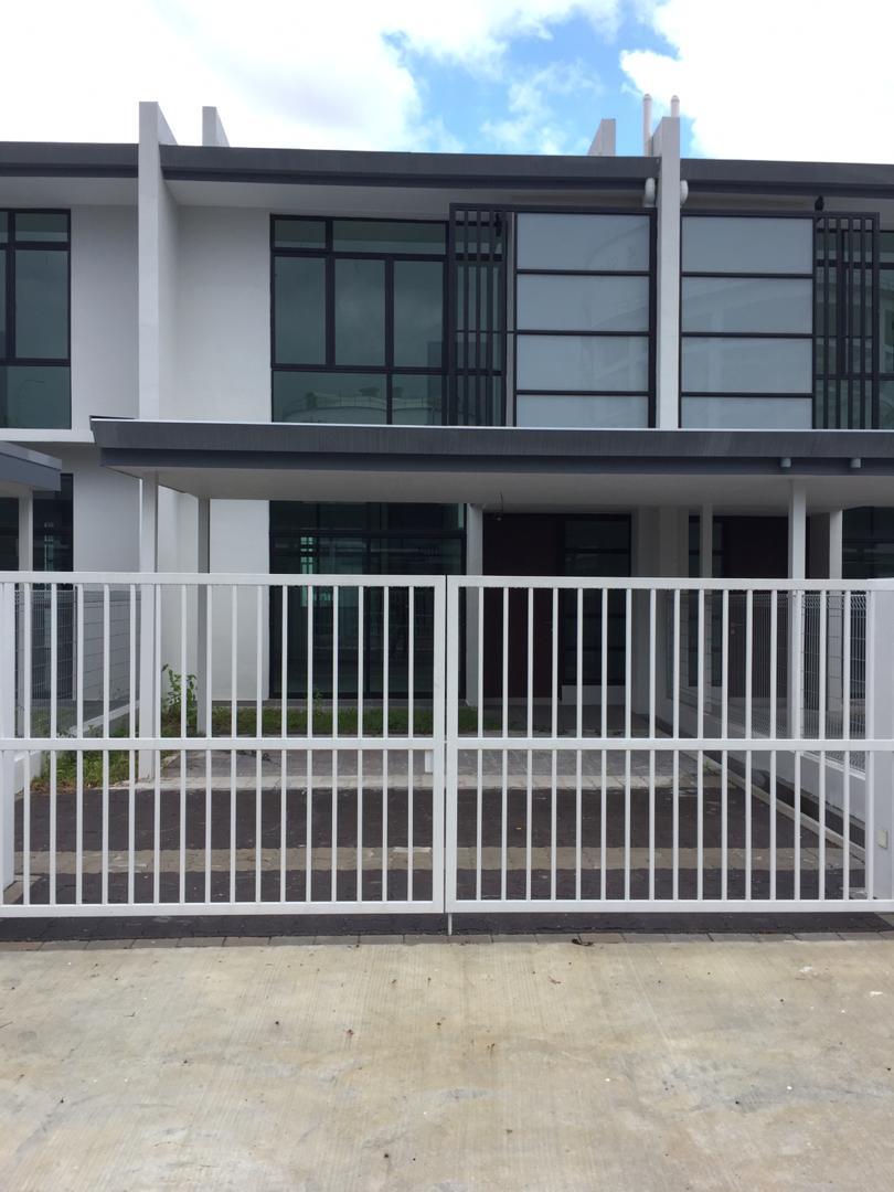 Citrine Residenz Terrace House